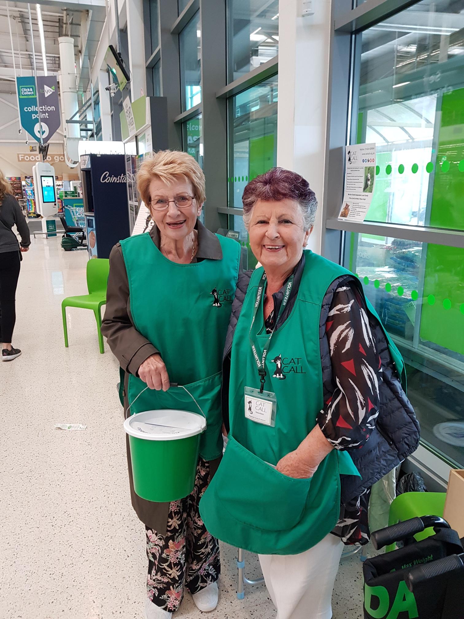 Volunteers Eileen and Aileen
